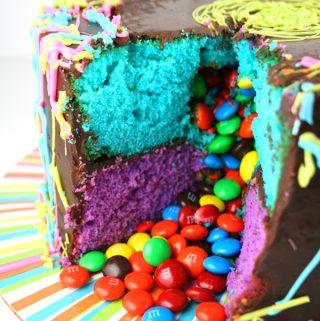 Jackson Pollock Piñata Cake