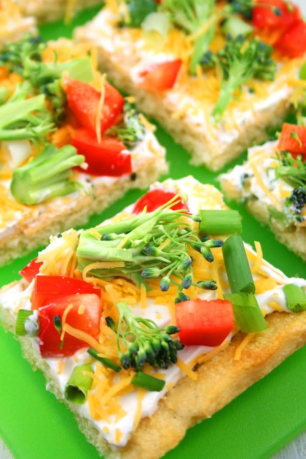 Cold veggie pizza appetizer recipe with crescent roll crust