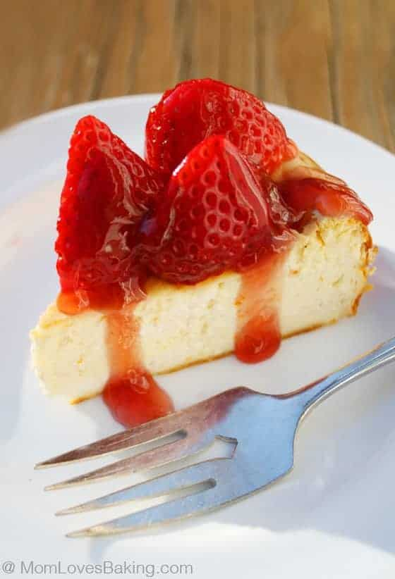 Low Carb Strawberry Cheesecake - Mom Loves Baking