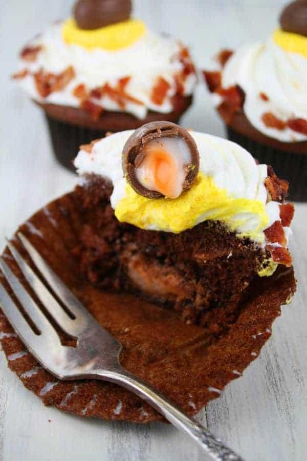 Chocolate-Creme-Eggs-&-Bacon-Cupcakes-6