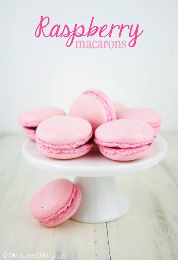 Raspberry-Macarons-Yummy