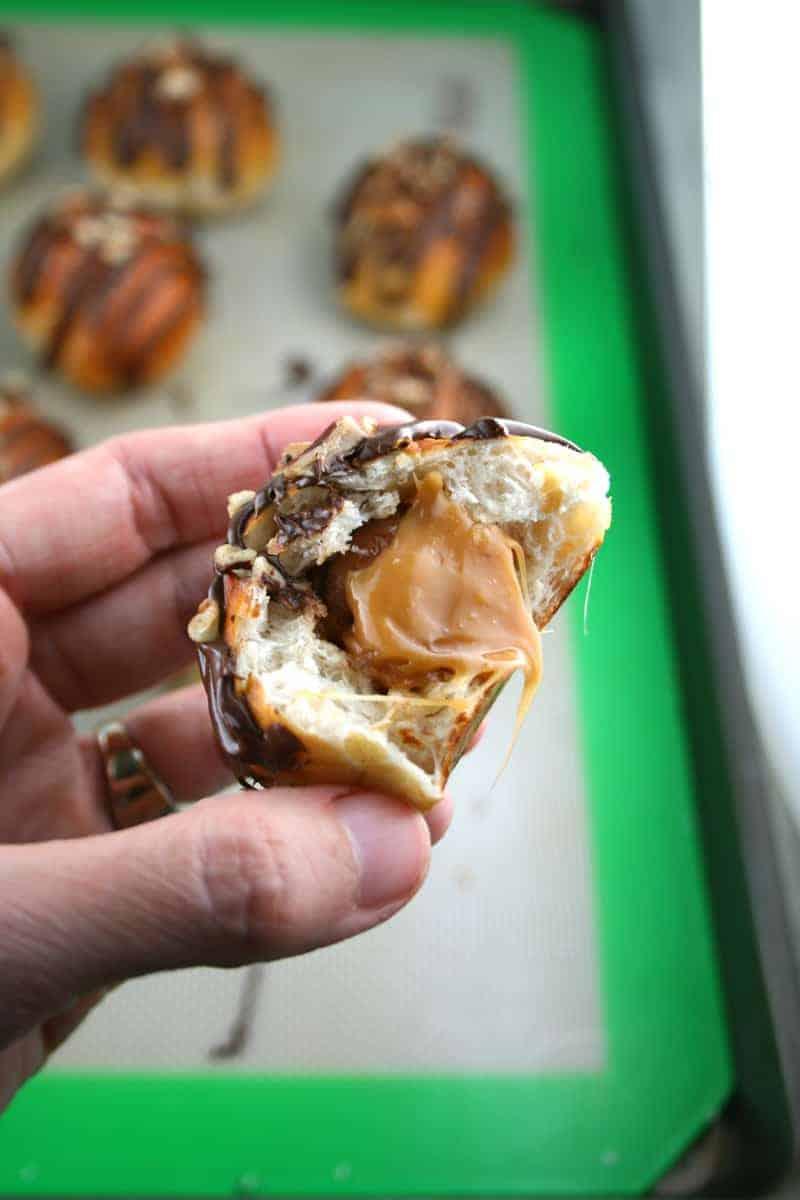 Chocolate-Turtle-Pretzel-Bites-Ooey-Gooey