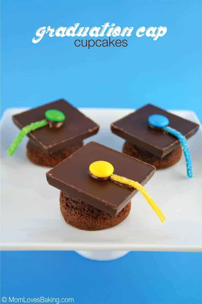 Graduation-Cap-Cupcakes-2