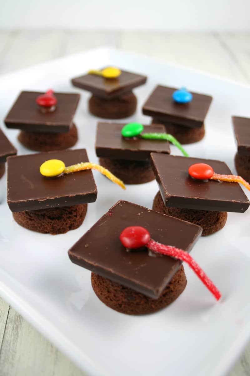 Graduation-Cap-Cupcakes-Yay