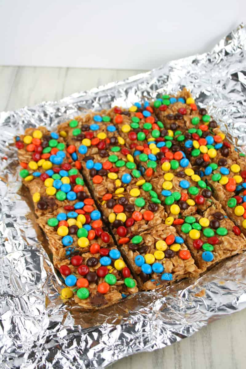 Peanut-Butter-M&M-Oat-Bars