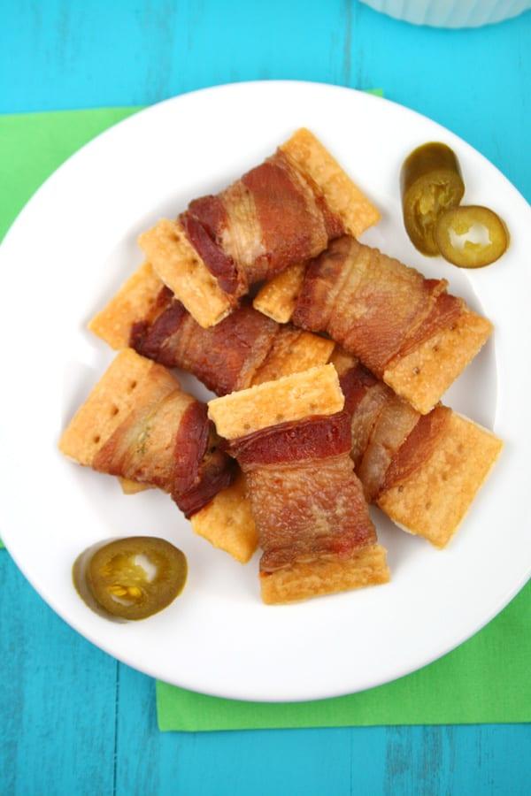 3-ingredient bacon jalapeno crackers appetizer recipe