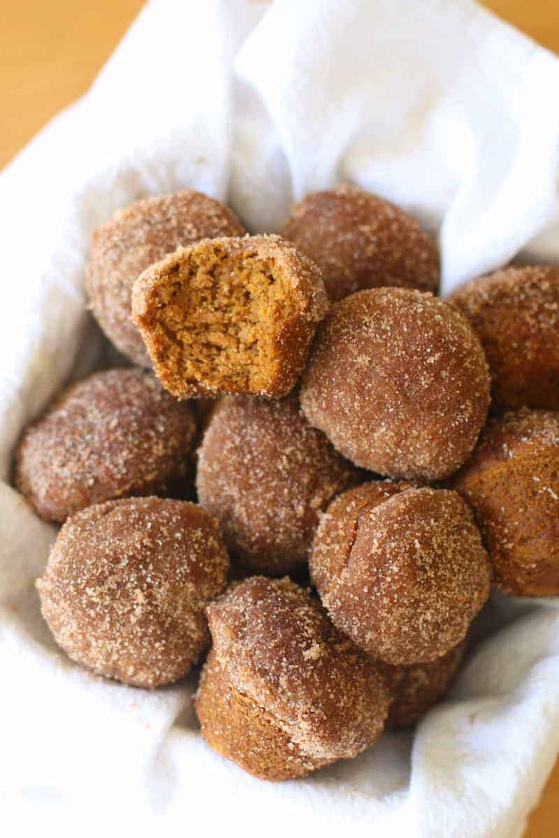 Cinnamon-Spice- Pumpkin-Mini-Muffins-3