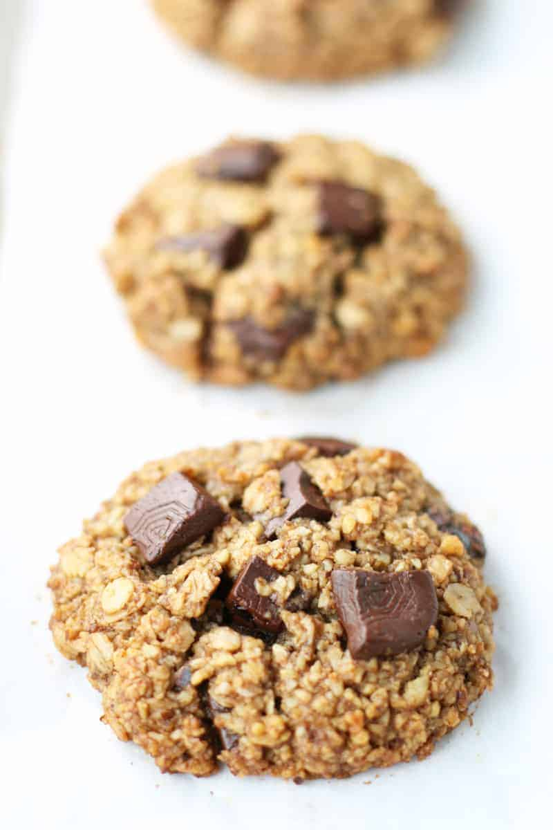 Oatmeal-Chocolate-Chunk-Breakfast-Cookies-3