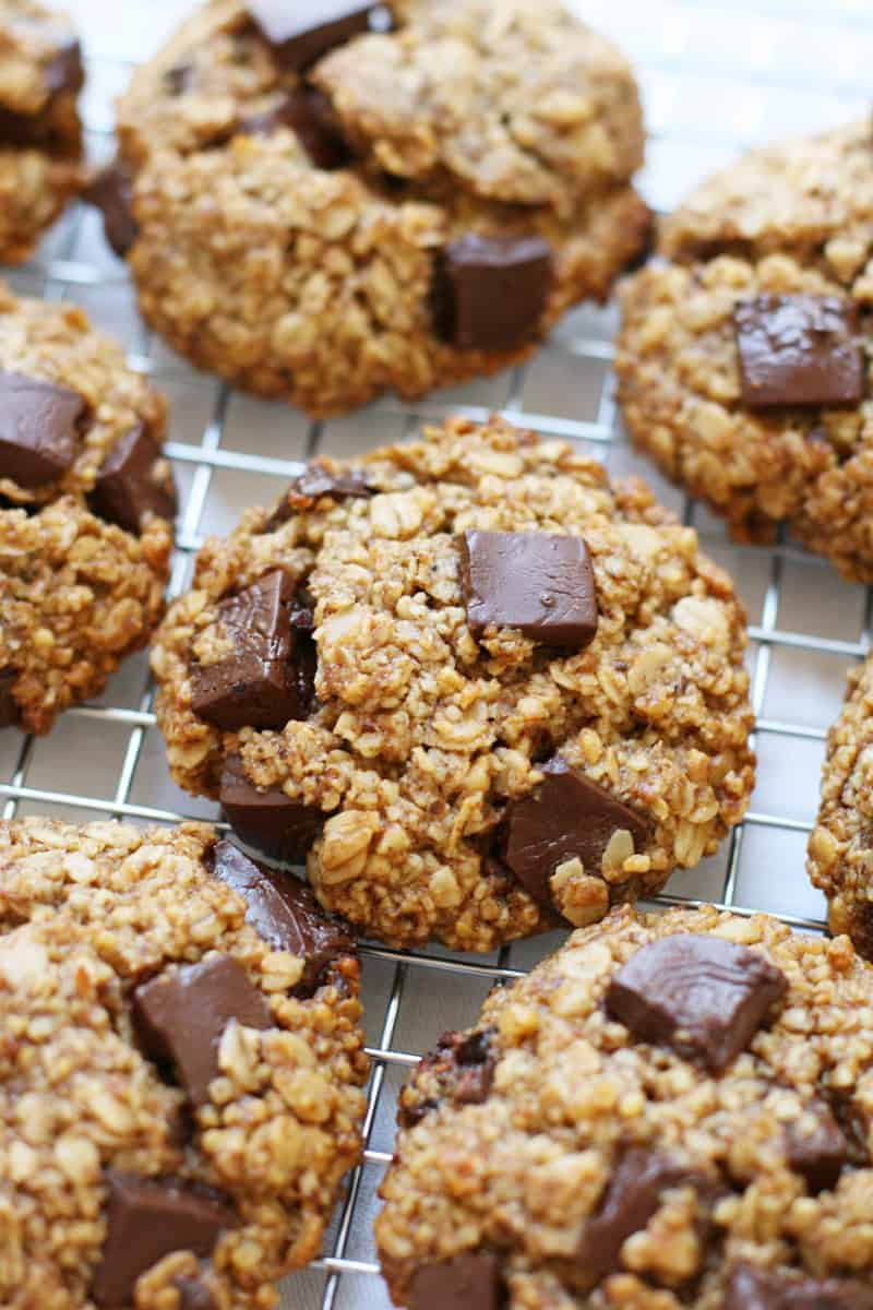Oatmeal-Chocolate-Chunk-Breakfast-Cookies-4
