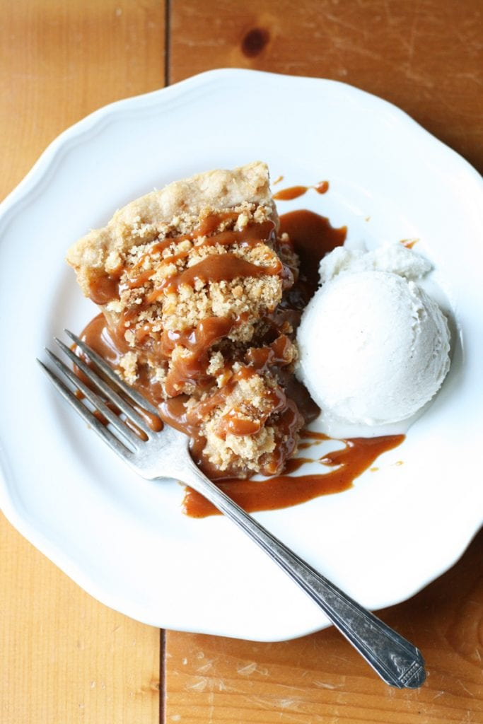 Apple pie with pumpkin caramel sauce