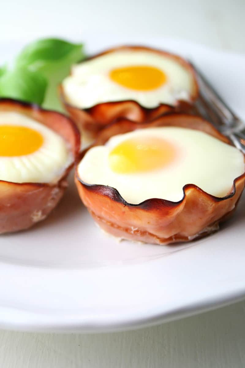 Ham Eggs ham and egg cups baking