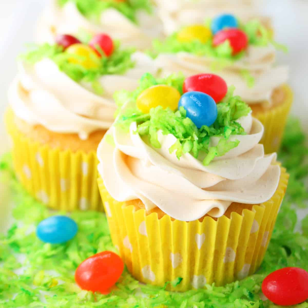 Easter-Egg-Cupcakes-2-SQ