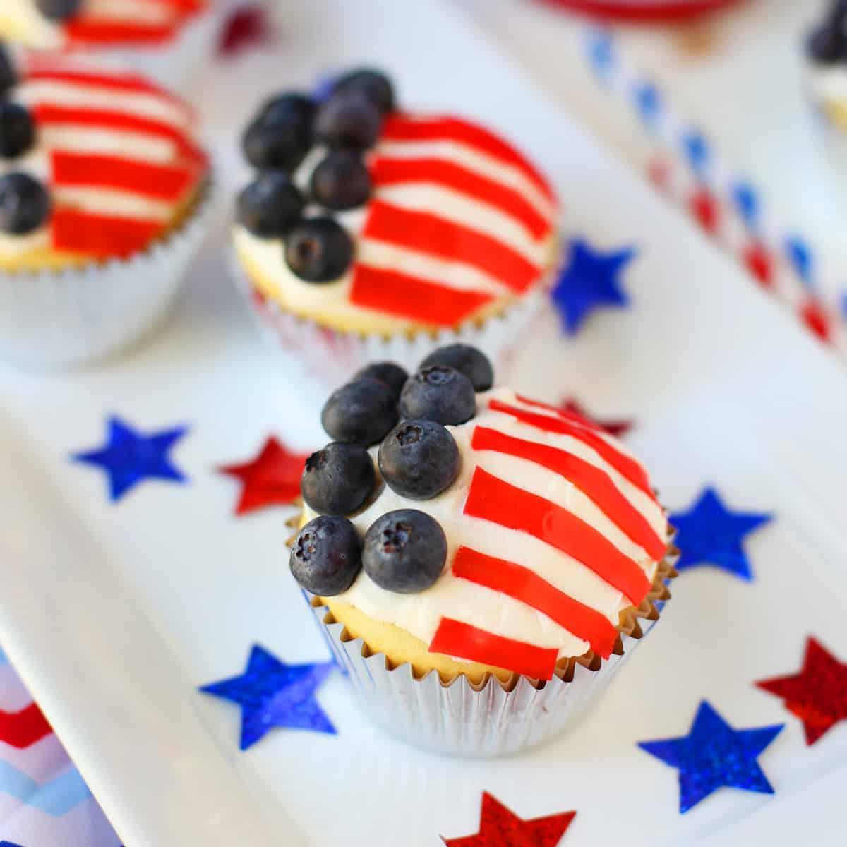 American Flag Cupcakes Mom Loves Baking