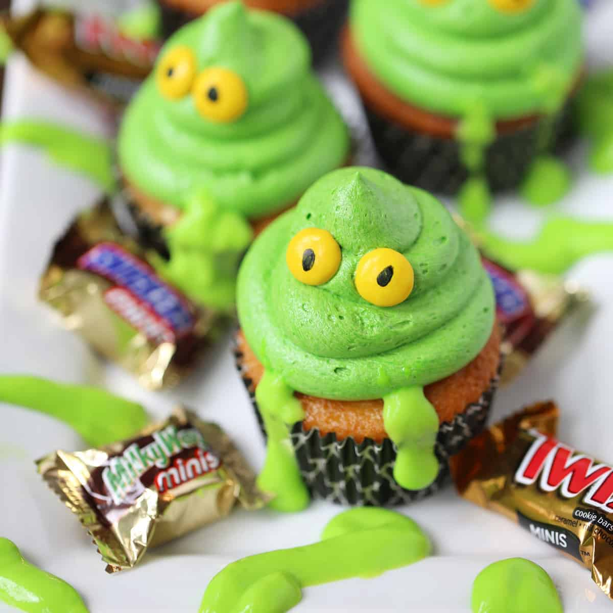 Greeen-Ghost-Cupcakes-with-Slime-SQ