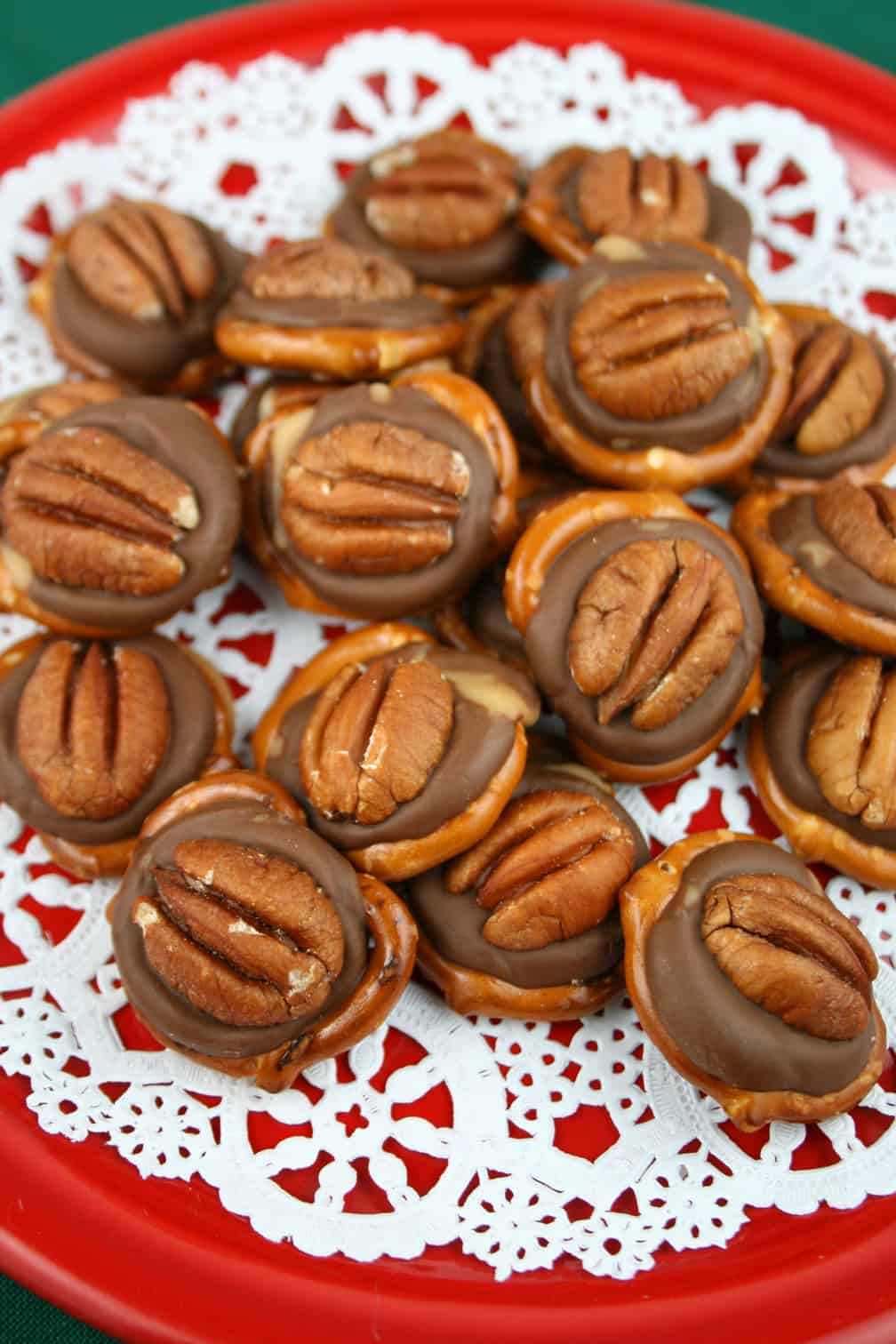 Easy Chocolate Caramel Turtles