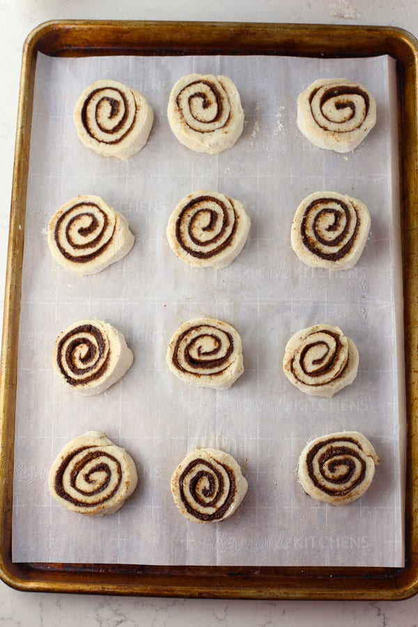 The best gluten free cinnamon rolls