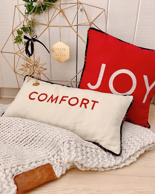 Simply Christmas pillows and blanket