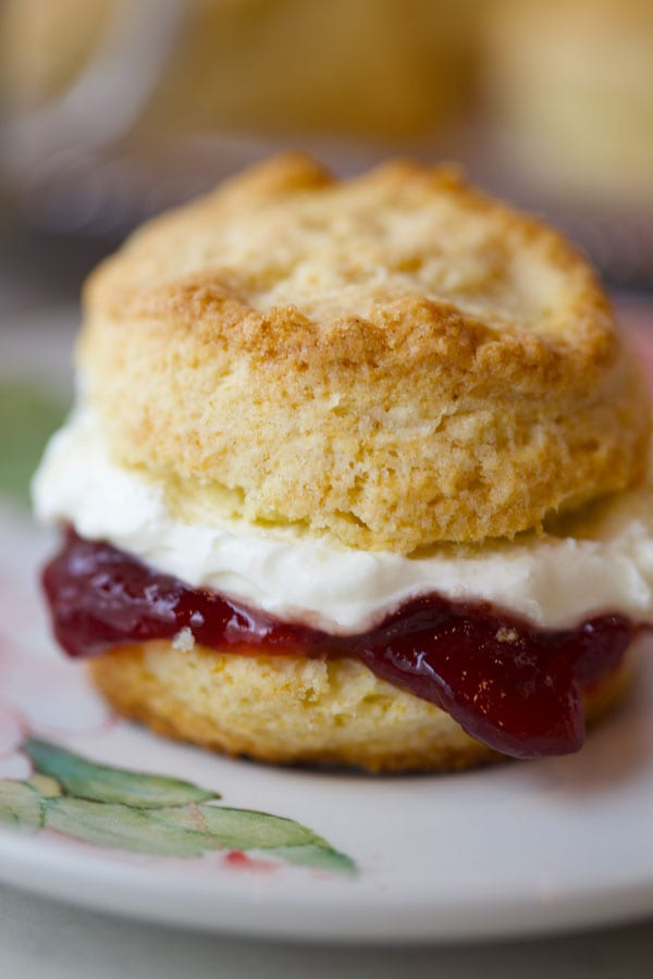 Cream scones with jam