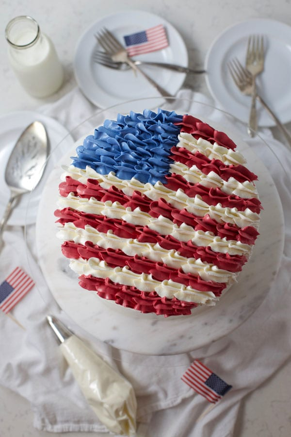 Buttercream USA flag cake