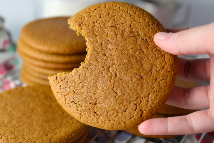 Old fashioned spice molasses cookies recipe