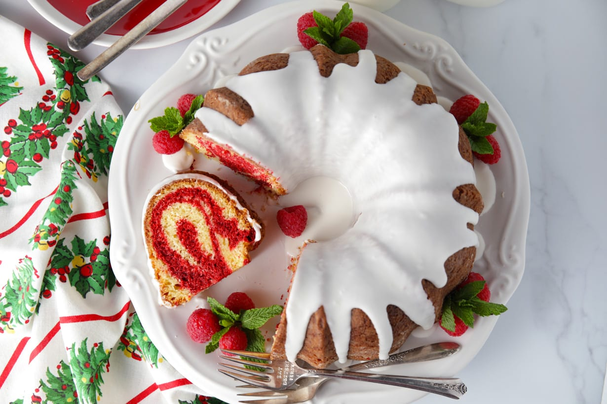 Step by step red velvet marble bundt cake recipe
