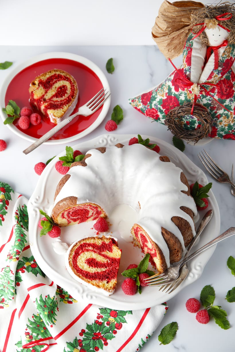Easy red velvet marble bundt cake recipe