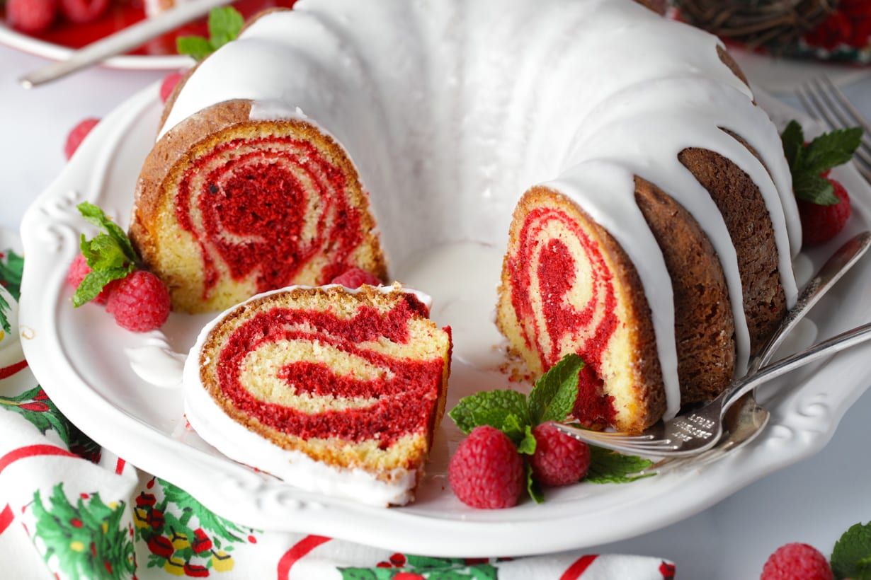 Homemade red velvet marble bundt cake recipe