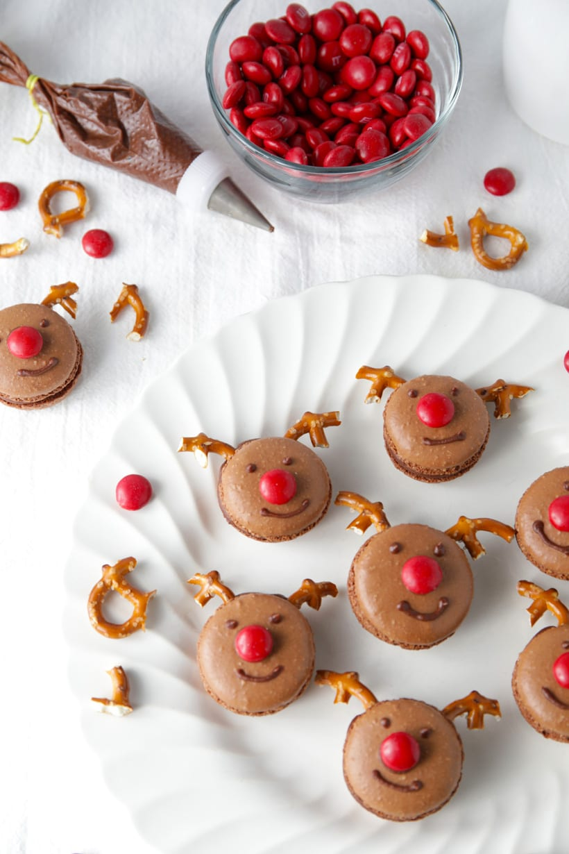Homemade rudolph reindeer chocolate macarons recipe for Christmas