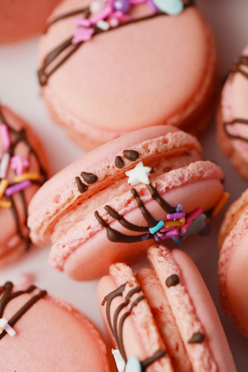 How to make strawberry French macarons
